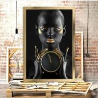 Saatli Siyahi Kadın Çerçeveli Kanvas Tablo