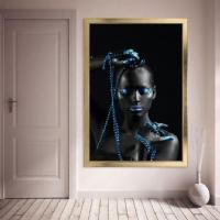 Zincirli Siyahi Kadın Çerçeveli Kanvas Tablo