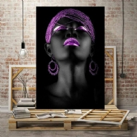 Mor Renk Küpeli Siyahi Kadın Kanvas Tablo