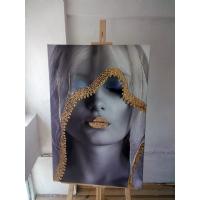 Gold Sim İşlemeli Beyaz Örtülü Kadın Kanvas Tablo