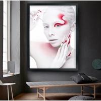 Kırmızı Tırnaklı Kadın Siyah Çerçeveli Kanvas Tablo